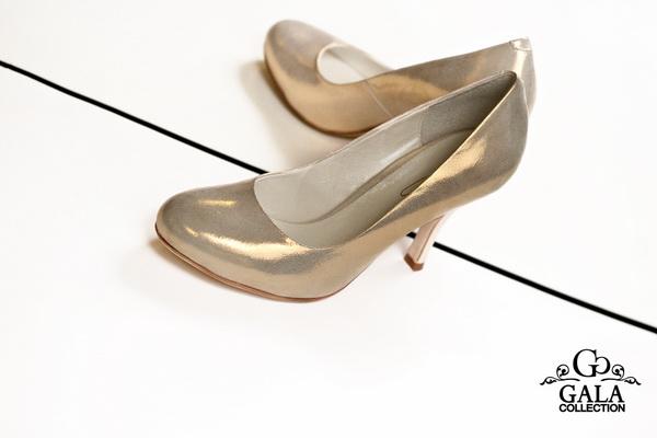 Туфли и сапожки на высоком каблуке