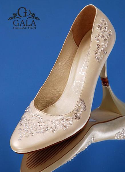 Где купить свадебные туфли, сапожки балетки? . Недорогие полусапожки на свадьбу. . Allure Bridals - Свадебные платья