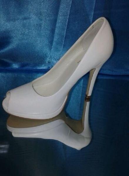 Wedding Saloon :: Свадебные туфли в Красноярске - Свадебные платья
