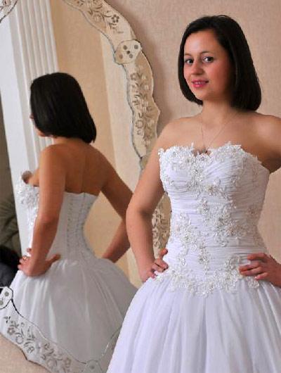 Дешевые свадебные платья. Предсвадебная подготовка включает много составляющих, поэтому и расходов тоже получается достаточно. Свадебный бюджет требует